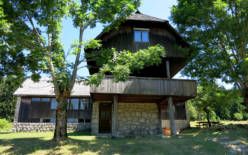 Forest lodge at Čorkova uvala