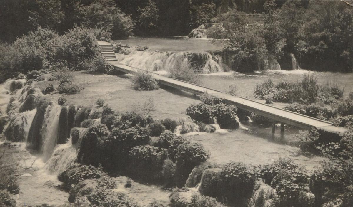 Slika 14. Betonski mostić na Velikim kaskadama