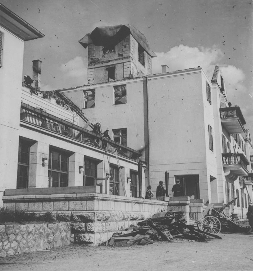 Slika 18. Spaljeni Hotel Plitvice
